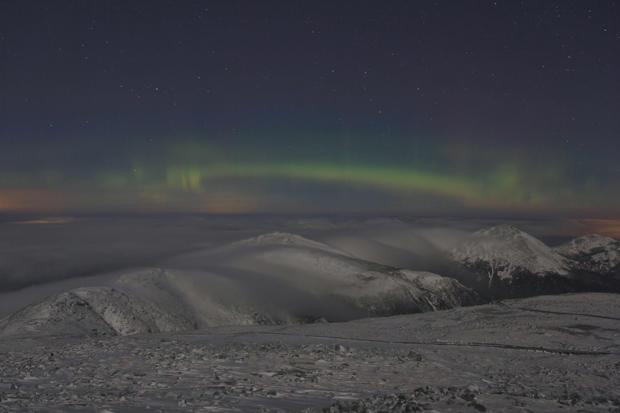 mount-washington-northern-lights-resize.jpg