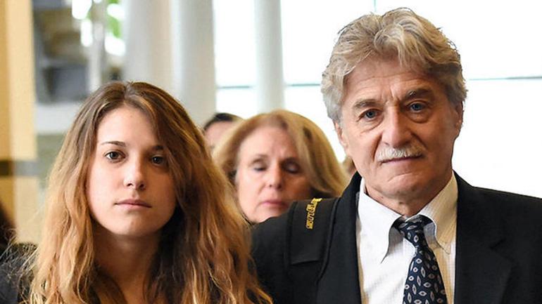 Jenna and Dr. Robert Neulander arrive to court.