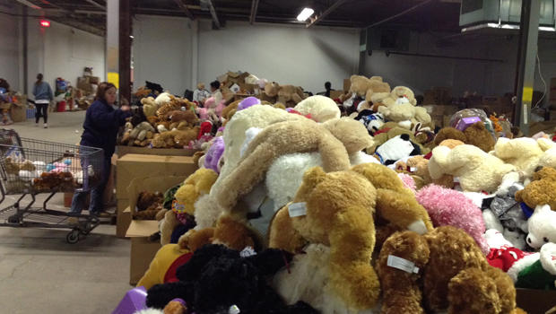 stuffed-animals-newtown-ct-warehouse-chris-kelsey-620.jpg