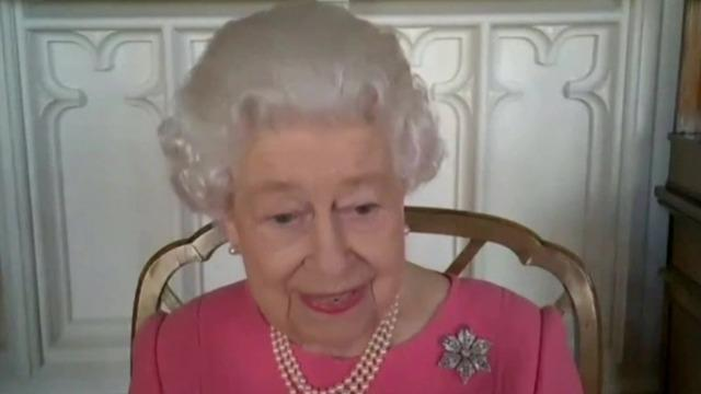 Queen Elizabeth urges people to get vaccine: