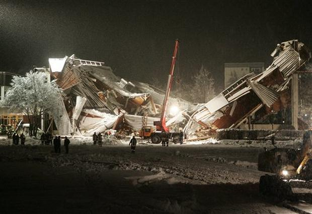 Germany Roof Collapse Photo 19 Pictures Cbs News