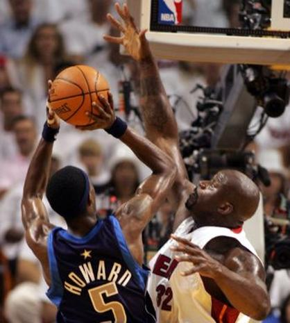 2006 NBA Finals Game 3 - Photo 1 - Pictures - CBS News