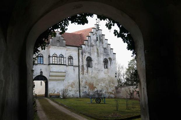 Cage's Castle