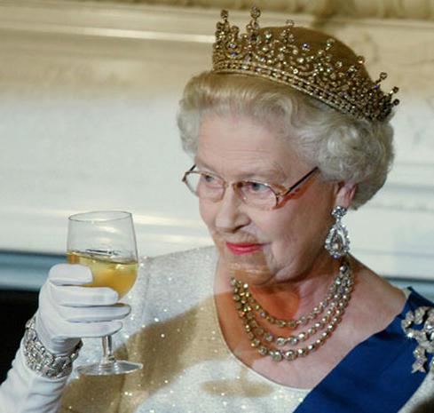 """The Queen In """"Vogue"""""""