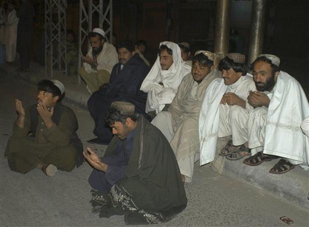 Quake Rattles Pakistan