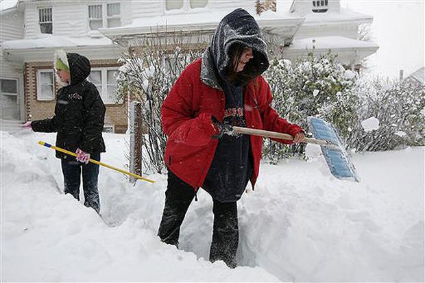 Early Blizzard Buries Dakotas