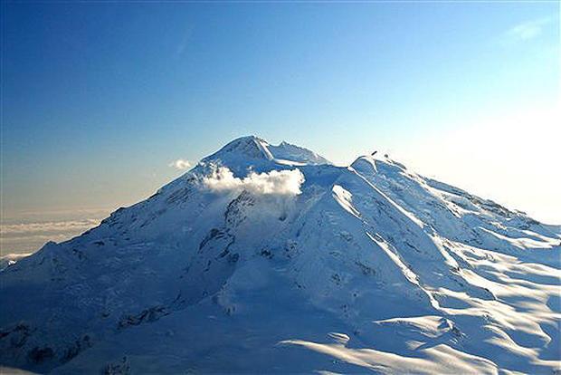 Mount Redoubt Erupts
