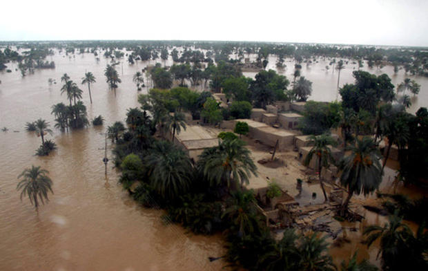 Pakistanis Trapped by Deadly Floods