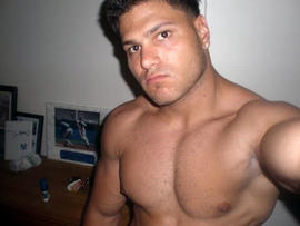 """""""Jersey Shore"""" Star Ronnie Pleads Not Guilty to Assault in '09 Bar Fight"""