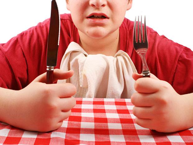 hungry, dinner, knife, fork, boy, istockphoto, 4x3