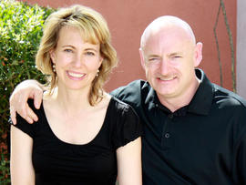 Arizona Shooting: Husband of Rep. Gabrielle Giffords Willing to Meet with Shooter's Parents
