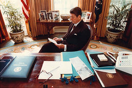Ronald Reagan prepares a speech