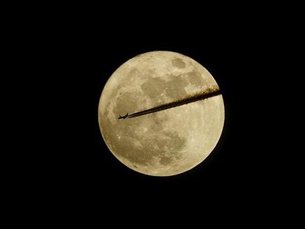 Spectacular moon on display