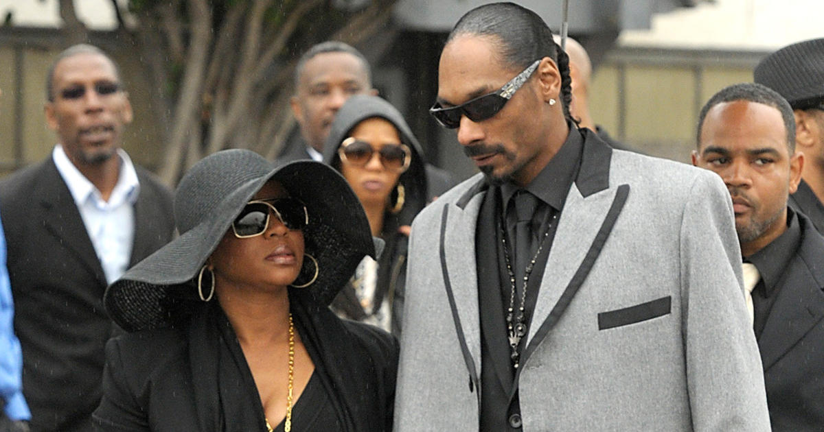 Snoop Dogg, Warren G lead mourners at Nate Dogg's funeral ...