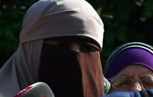 Women defy France's veil ban