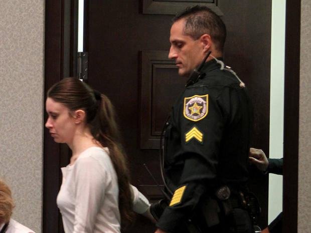 Casey Anthony cries during state's opening