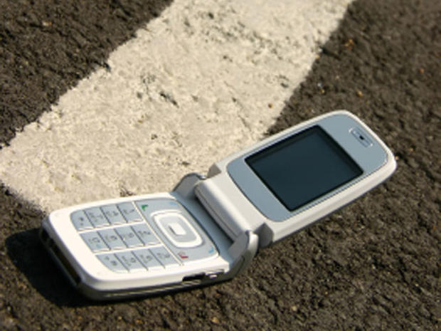 Top 10 worst places to lose your cell phone