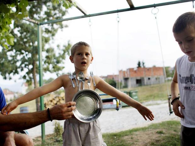 "Human magnets? Serbian kids claim ""paranormal"" powers"