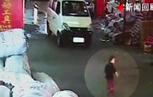 GRAPHIC VIDEO: Chinese girl hit by truck, ignored by passers-by
