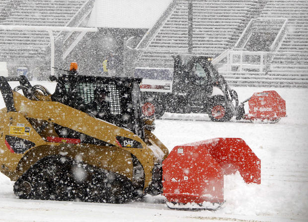 Rare Oct. snowstorm hits Northeast