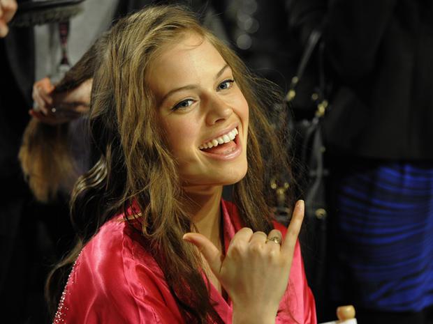 Victoria's Secret Fashion Show 2011: Backstage