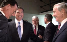 "Perry dubs Santorum ""lifeline"" in case of stumble"