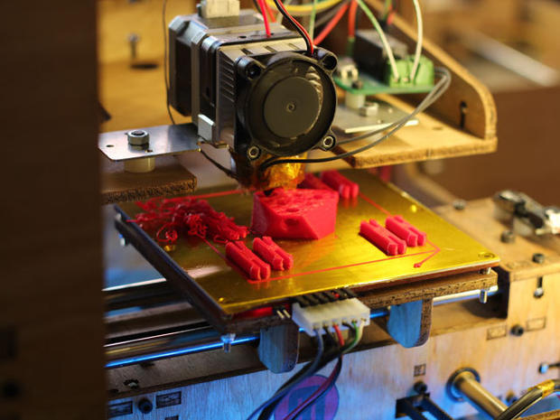 "Amazing ""printer"" makes real things"