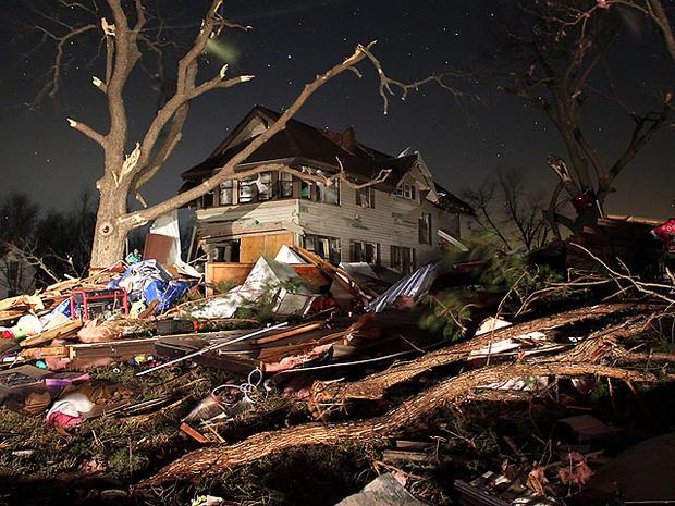 2012年2月29日星期三早上在堪萨斯州Wabaunsee县的Harveyville镇发生了损坏,周二晚上一场明显的龙卷风袭击了该镇。