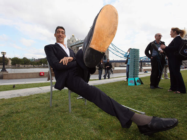 World's tallest man Sultan Kosen stops growing
