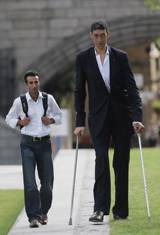 World's tallest man Sultan Kosen stops growing