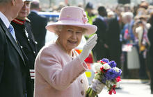 Queen travels to Manchester for Diamond Jubilee
