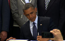 """Obama signs """"JOBS Act"""" into law"""
