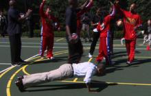 President Obama does push-ups