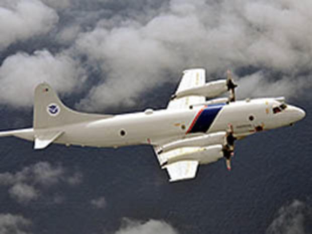 美国海关和边境保护局的空中和海军P-3喷气式飞机