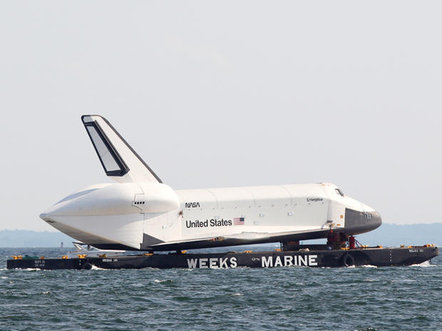 Space shuttle Enterprise heads to new home - Photo 1 ...