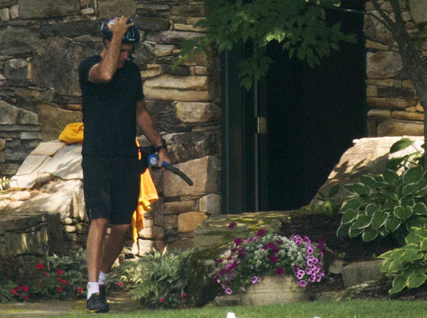 Romney relaxes in N.H.