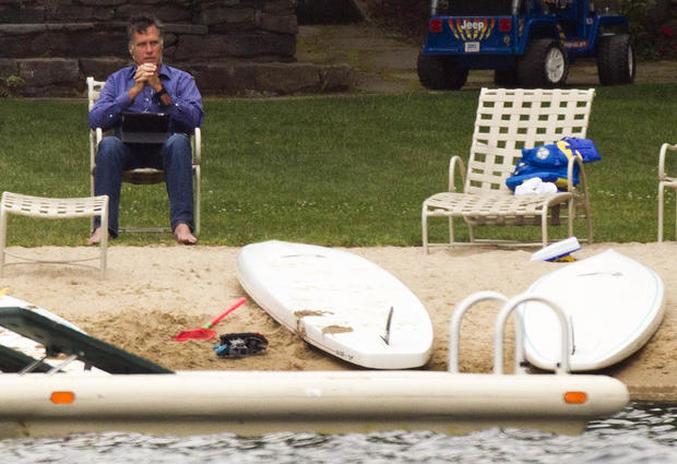 Romney relaxes in N.H.