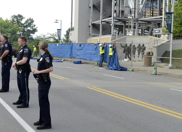 Penn State removes Joe Paterno statue