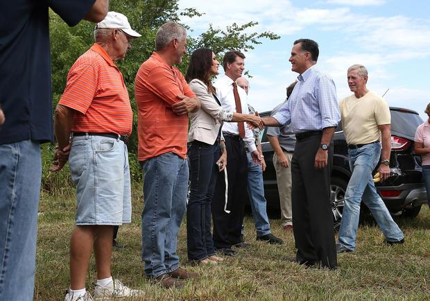 Obama, Romney travel to swing states