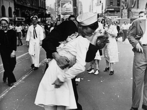 Iconic kisses