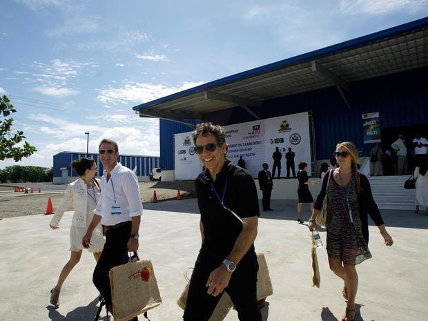 Hollywood helps Clintons in Haiti
