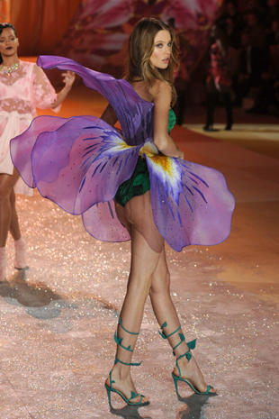 Victoria's Secret Fashion Show 2012 highlights