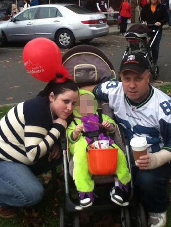 Conn. dad, daughter arrested after having baby together