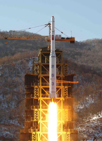 North Korea celebrates rocket launch