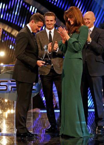Duchess Kate appears at BBC Sports Awards 2012