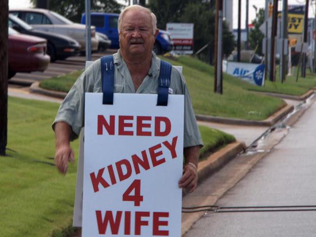 Larry Swilling希望通过让路人捐赠他们的肾脏来为他的妻子找到一个器官捐赠者。