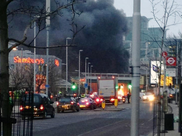 Helicopter crashes in south London