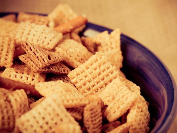 Snack hard, play hard: Super Bowl calorie tips