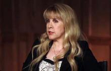 "Fleetwood Mac still spreading ""Rumours"""