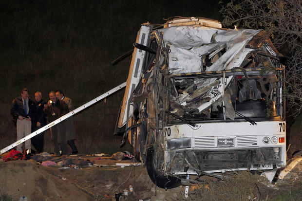 Tour bus crashes in Calif.